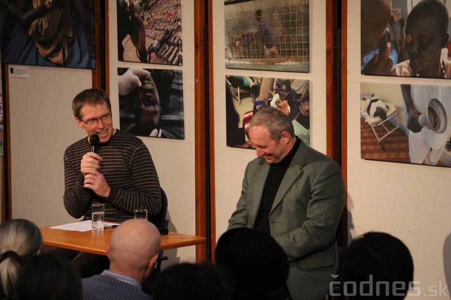 Foto a video: Mons. Róbert Bezák na festivale Jeden svet 2013