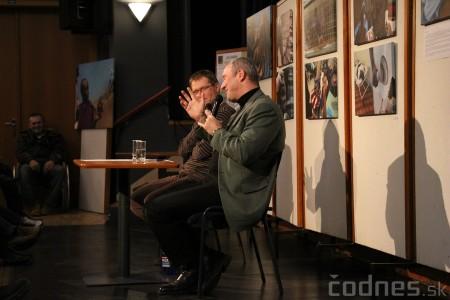 Foto a video: Mons. Róbert Bezák na festivale Jeden svet 2013 8