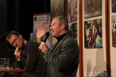 Foto a video: Mons. Róbert Bezák na festivale Jeden svet 2013 16