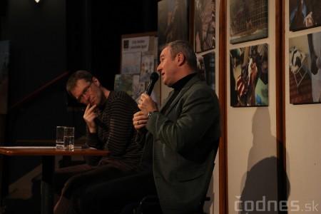 Foto a video: Mons. Róbert Bezák na festivale Jeden svet 2013 17