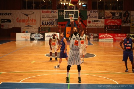 Foto a video: BC Prievidza - EDYMAX SPU Nitra 85:98 15