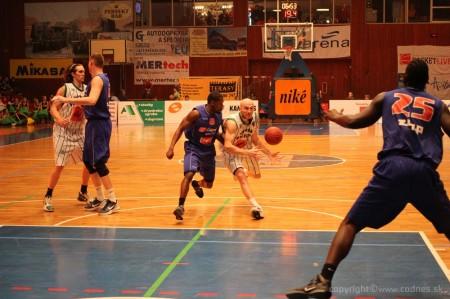 Foto a video: BC Prievidza - EDYMAX SPU Nitra 85:98 26