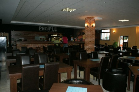 People Restaurant & cocktail bar 1