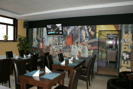 People Restaurant & cocktail bar 3