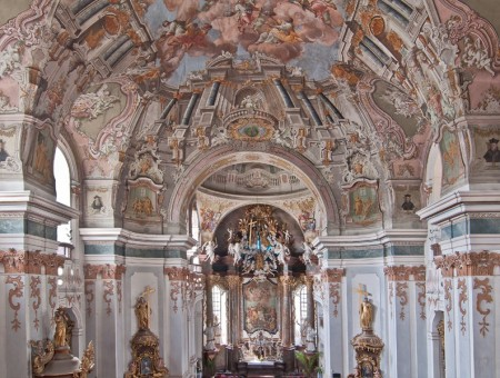 Piaristický kostol Najsvätejšej Trojice Prievidza 0