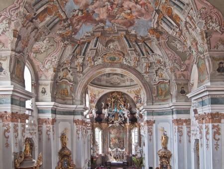 Piaristický kostol Najsvätejšej Trojice Prievidza 1