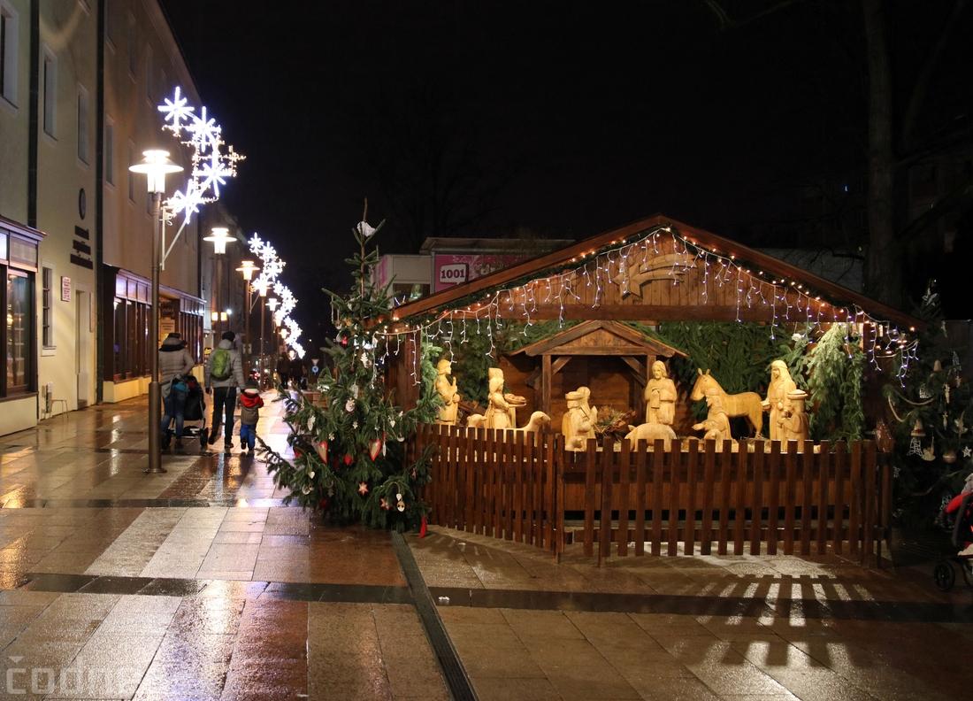 Vianočná výzdoba v Prievidzi