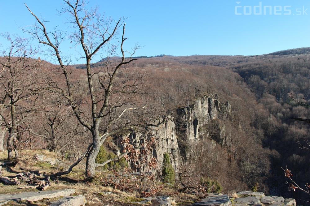 Obce a mestá nesúhlasia s dobývaním andezitu v lezeckej oblasti Hrádok pri Bystričanoch