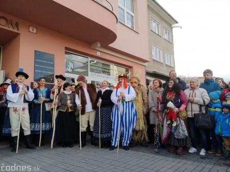 Foto: Fašiangový sprievod mestom a pochovávanie basy 7