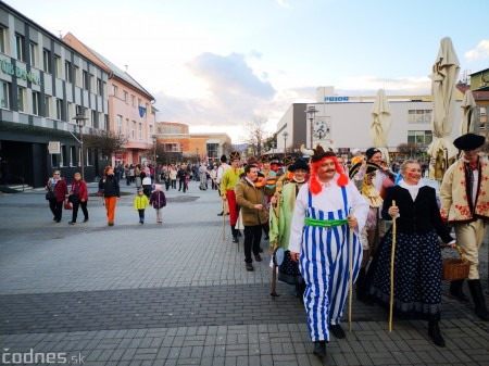 Foto: Fašiangový sprievod mestom a pochovávanie basy 30