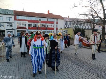 Foto: Fašiangový sprievod mestom a pochovávanie basy 31