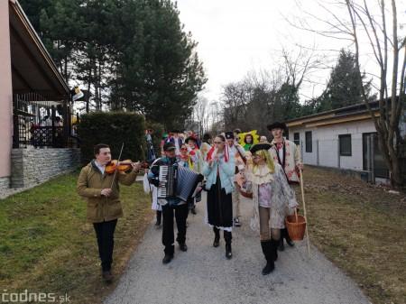 Foto: Fašiangový sprievod mestom a pochovávanie basy 38