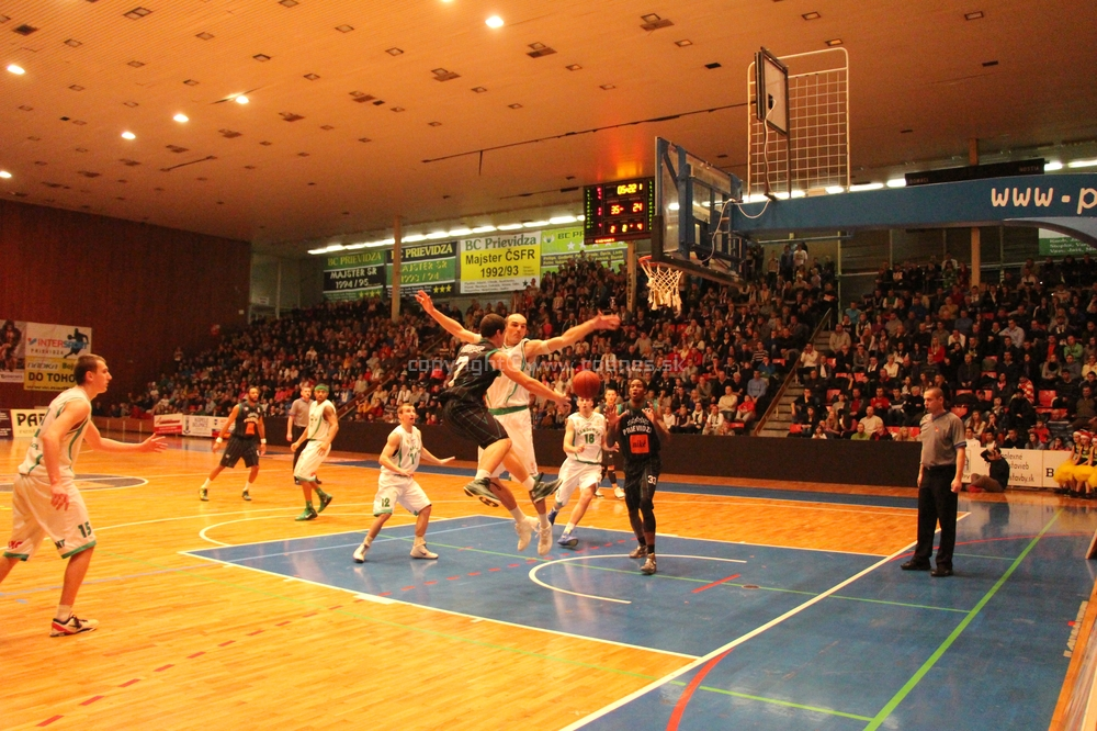 Basketbal: BC Pd - MBK Handlová - 100.derby