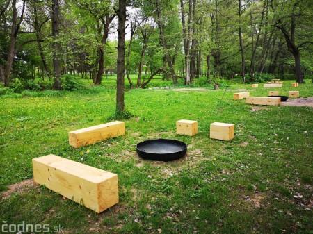 Foto a video: V Mestskom parku v Prievidzi pribudla nová pikniková zóna 0