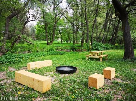 Foto a video: V Mestskom parku v Prievidzi pribudla nová pikniková zóna 1