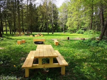 Foto a video: V Mestskom parku v Prievidzi pribudla nová pikniková zóna 3