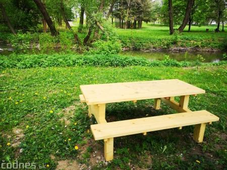 Foto a video: V Mestskom parku v Prievidzi pribudla nová pikniková zóna 4
