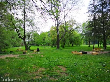 Foto a video: V Mestskom parku v Prievidzi pribudla nová pikniková zóna 6