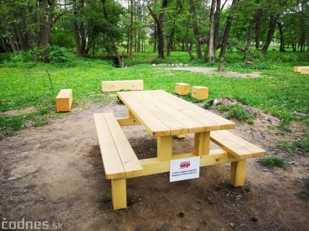Foto a video: V Mestskom parku v Prievidzi pribudla nová pikniková zóna 7
