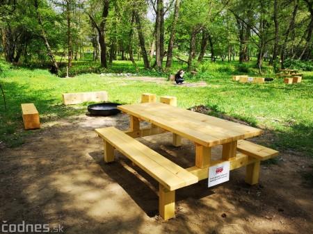 Foto a video: V Mestskom parku v Prievidzi pribudla nová pikniková zóna 9