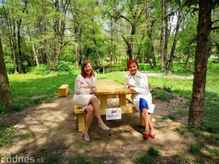 Foto a video: V Mestskom parku v Prievidzi pribudla nová pikniková zóna 13