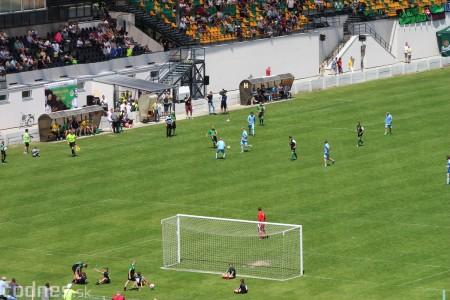 Foto a video: 100 rokov futbalu v Prievidzi veľkolepé oslavy a exhibičný zápas ŠKRŤO tím vs KUCO tím 3