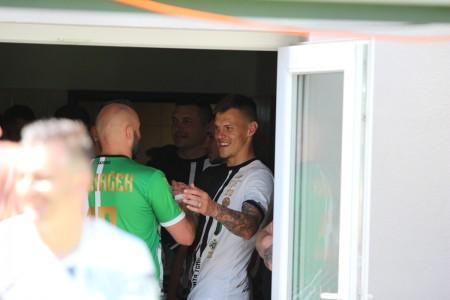 Foto a video: 100 rokov futbalu v Prievidzi veľkolepé oslavy a exhibičný zápas ŠKRŤO tím vs KUCO tím 76