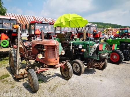Foto a video: Traktory Máčov 2019 4