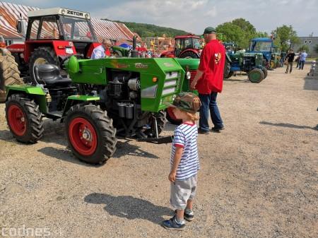 Foto a video: Traktory Máčov 2019 6