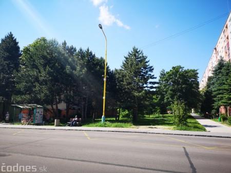 Foto a video: Práce na revitalizácii vnútrobloku medzi ulicami I. Krasku a Ľ. Ondrejova v Prievidzi sú v plnom prúde 16