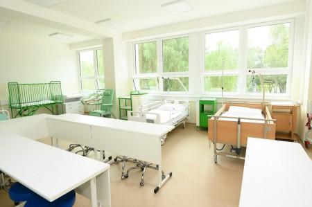 Foto a video: Stredná zdravotnícka škola v Prievidzi otvorená. Do prvého ročníka nastúpilo 48 žiakov 8