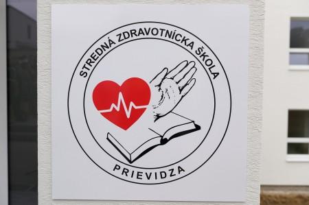 Foto a video: Stredná zdravotnícka škola v Prievidzi otvorená. Do prvého ročníka nastúpilo 48 žiakov 14
