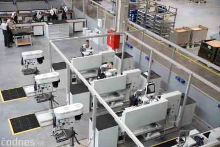 Foto a video: 400 nových pracovných miest pribudne v Prievidzi po dostavbe tretej výrobnej haly spoločnosti Brose 1