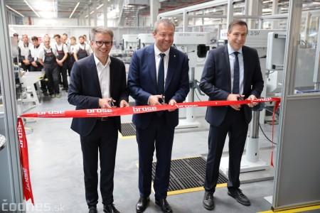 Foto a video: 400 nových pracovných miest pribudne v Prievidzi po dostavbe tretej výrobnej haly spoločnosti Brose 13