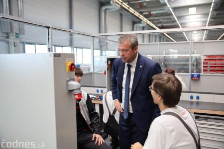 Foto a video: 400 nových pracovných miest pribudne v Prievidzi po dostavbe tretej výrobnej haly spoločnosti Brose 19