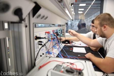 Foto a video: 400 nových pracovných miest pribudne v Prievidzi po dostavbe tretej výrobnej haly spoločnosti Brose 22