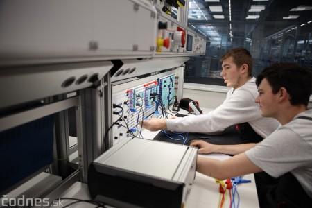 Foto a video: 400 nových pracovných miest pribudne v Prievidzi po dostavbe tretej výrobnej haly spoločnosti Brose 23