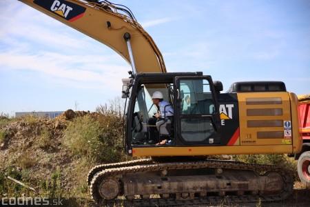 Foto a video: 400 nových pracovných miest pribudne v Prievidzi po dostavbe tretej výrobnej haly spoločnosti Brose 33