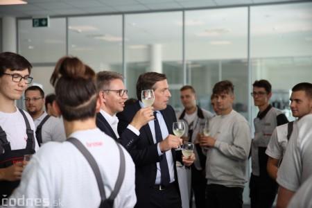 Foto a video: 400 nových pracovných miest pribudne v Prievidzi po dostavbe tretej výrobnej haly spoločnosti Brose 36