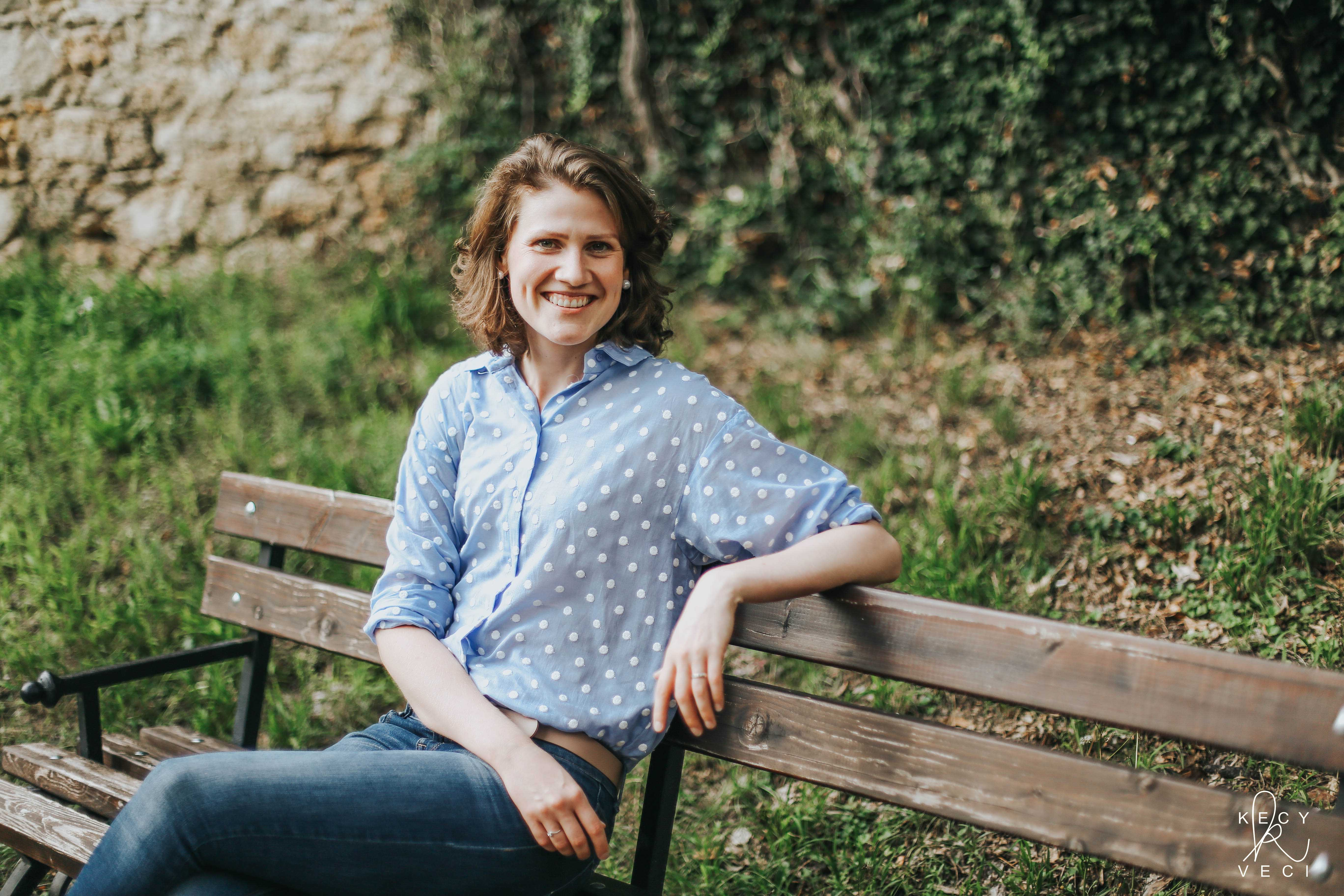 Až keď jej zišli nechty, prestala pracovať. Blogerka Erika Mokrý.