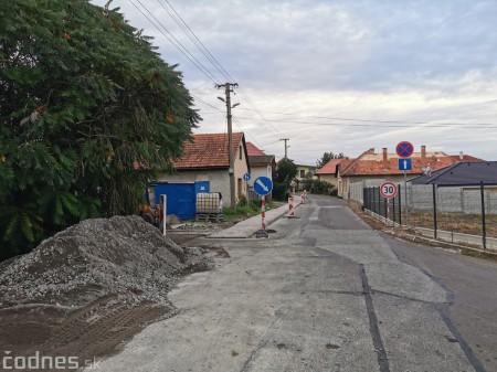 Foto: Chodník na nebezpečnom úseku v mestskej časti Necpaly konečne realitou 1