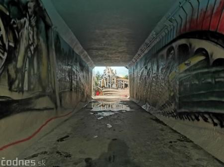 Foto a video: Skrášľovanie podchodu Žabník-Necpaly je hotové 13