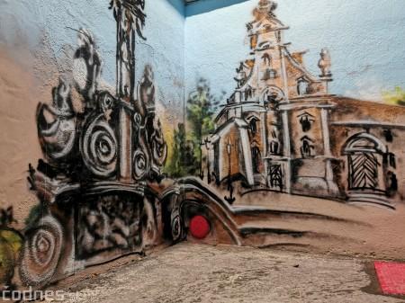 Foto a video: Skrášľovanie podchodu Žabník-Necpaly je hotové 14