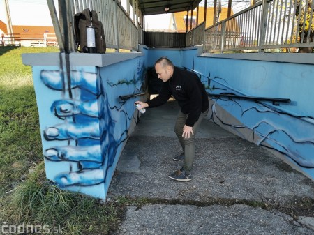 Foto a video: Skrášľovanie podchodu Žabník-Necpaly je hotové 16