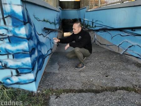 Foto a video: Skrášľovanie podchodu Žabník-Necpaly je hotové 17