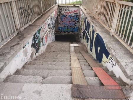 Foto a video: Skrášľovanie podchodu Žabník-Necpaly je hotové 38