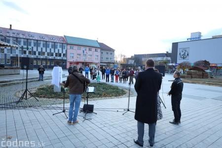 Foto a video: Slávnostné odhalenie pamätníka 30. výročia Novembra 1989 na Námestí Slobody v Prievidzi 2