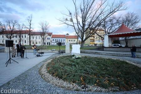 Foto a video: Slávnostné odhalenie pamätníka 30. výročia Novembra 1989 na Námestí Slobody v Prievidzi 3