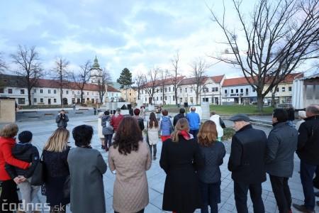 Foto a video: Slávnostné odhalenie pamätníka 30. výročia Novembra 1989 na Námestí Slobody v Prievidzi 4