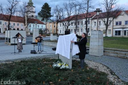 Foto a video: Slávnostné odhalenie pamätníka 30. výročia Novembra 1989 na Námestí Slobody v Prievidzi 5
